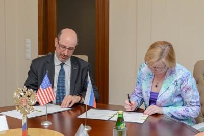 Подписание договора о сотрудничестве с MDACC 2017 - А.О. Конради